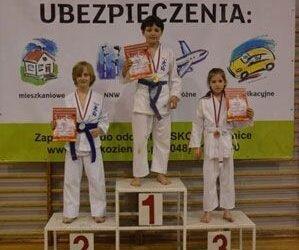 Mistrzostwa Pionek Oyama Karate w konkurencji kata. 6.05.2013